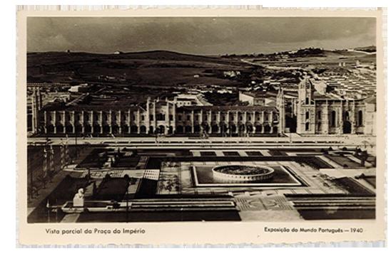 Vista parcial da Praça do Império